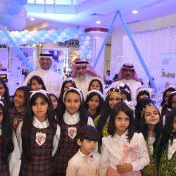 أمير الباحة يلتقي المسؤولين ورؤساء المجالس البلدية في جلسته الأسبوعية