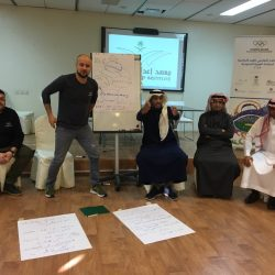 """""""الفهيد"""" يكرم المشاركين في ختام الجنادرية 33"""