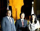 وزيرة السياحة و وزير الآثار في حفل توديع السفير الياباني بالمتحف الكبير
