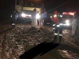 مدني الباحة ينقذ ٥ اشخاص احتجزتهم السيول ويعثر على مفقودي وادي حلود التابع لمحافظة بلجرشي